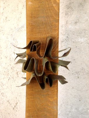 Love (Wood and Steel, 70x30x15cm, 2007)