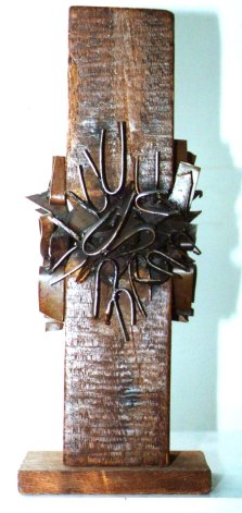 Embroidery (Wood and Steel, 60x20x18cm, 2001)