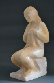 Seamstress (Onyx, 25x18x12cm, 2018)